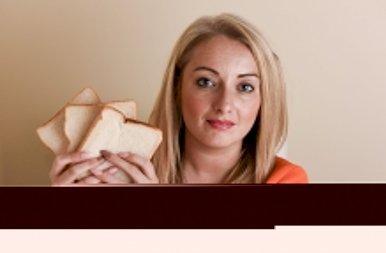Íme a nő, aki a kenyéren kívül nem hajlandó mást enni