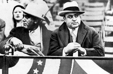 90 éve ezen a napon sikerült lecsukni Al Caponét - galéria