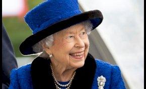 A lóverseny még II. Erzsébet arcára is hatalmas mosolyt tudott csalni – képek