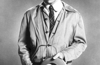 Ma lett 75 éves Tommy Lee Jones, aki fiatalon is szívdöglesztő volt – galéria