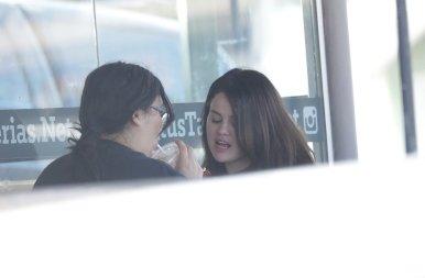 Mi történt Selena Gomezzel? – Lesifotók buktatták le a popsztárt, így néz ki valójában!