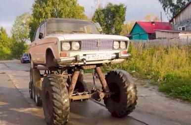 14 kerekes autószörnyet csináltak egy régi Ladából – képek